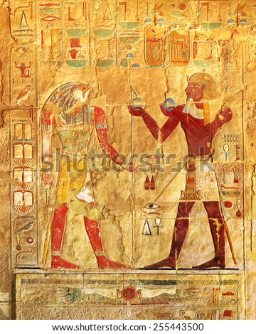 ancient egypt color images on wall in luxor