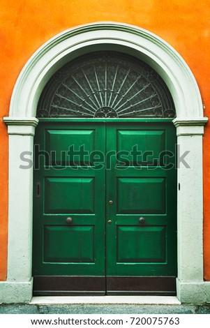 Ancient Italian doorWooden door in an old Italian house & Ancient Italian Doorwooden Door Old Italian Stock Photo 720075763 ...