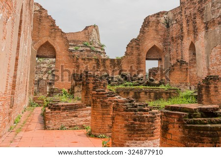 Ancient ruin of the temple in Ayutthaya, Thailand.