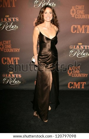 Andie MacDowell at the CMT Giants honoring Reba McEntire. Kodak Theatre, Hollywood, CA. 10-26-06