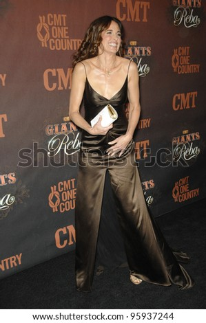ANDIE MacDOWELL at the first CMT Giants concert honoring country star Reba McEntire, at the Kodak Theatre, Hollywood. October 26, 2006  Los Angeles, CA Picture: Paul Smith / Featureflash