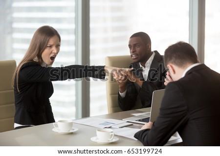 Risultati immagini per rimproverare un dipendente