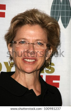 Annette Bening at the 2010 Courage in Journalism Awards, Beverly Hills Hotel, Beverly Hills, CA. 10-21-10