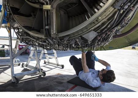 aviation mechanic