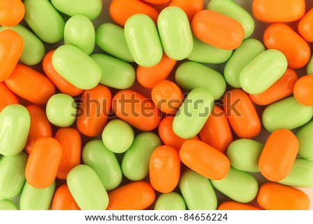Apple and orange Tic Tacs