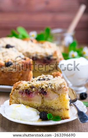 Apple pie with blackberry and walnut crumbs