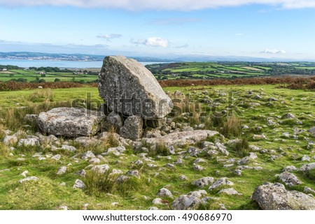 Arthur's Stone or Maen Ceti, a neolithic chambered cairn or dolmen, on the Gower Peninsula, South Wales,UK.  Set on the the ridge-backed hill of Cefn Bryn with views of surrounding country and coast