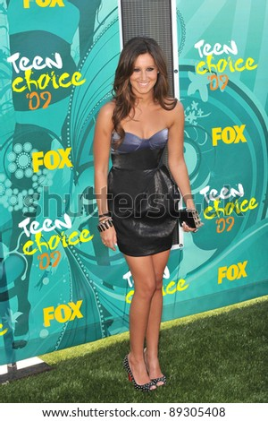 Ashley Tisdale at the 2009 Teen Choice Awards at the Gibson Amphitheatre, Universal City. August 9, 2009  Los Angeles, CA Picture: Paul Smith / Featureflash