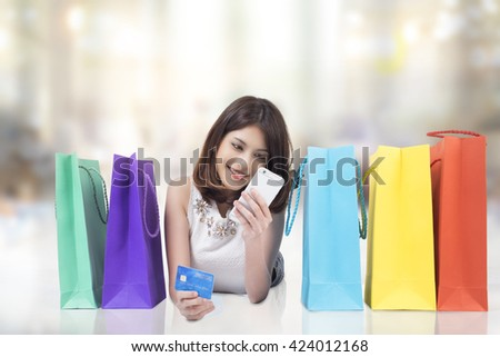 Asia woman shopping online.