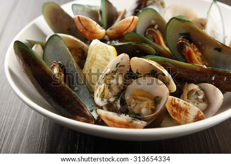 Assorted shellfish on a bowl.