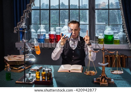 At the Department of Chemistry - University of biological, chemical reagents Scientist mixed in a round bottom flask and the solution was blue