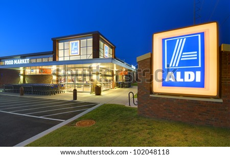 ATHENS, GEORGIA: MAY 8, 2012: Aldi Food Market May 8, 2012 in Athens, GA. The German-based discount supermarket chain currently operates more than 1,150 stores in the U.S. and about 8,133 worldwide. - stock photo