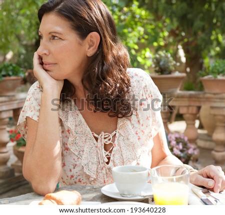 villa ridge single mature ladies Meet single women in villa ridge il online & chat in the forums dhu is a 100% free dating site to find single women in villa ridge.