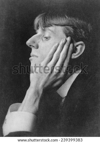 Aubrey Beardsley, (1872-1898), English illustrator, who made distinctive linear ink drawings in Art Nouveau style. 1895 photo by Frederick H. Evans (1853-1943).