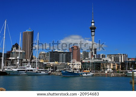 AUCKLAND: 23 March 2007 - Auckland city is New Zealand's largest and home to around one million people.  Harbour and city skyline on 23 March 2007 in Auckland, New Zealand.