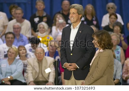 AUGUST 2004 - Senator and Mrs. John Kerry addressing audience of seniors at the Valley View Rec Center, Henderson, NV