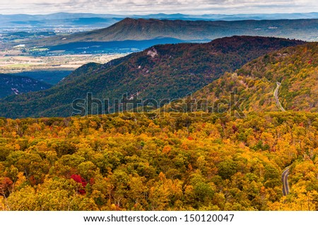 Autumn view of the Appalachians from Loft Mountain, Shenandoah National Park, Virginia.