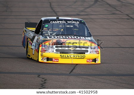 AVONDALE, AZ - NOV. 12: Kevin Harvick (4) gets in laps during a practice session for the NASCAR Truck Series Lucas Oil 150 at Phoenix International Raceway on Nov. 12, 2009 in Avondale, AZ.