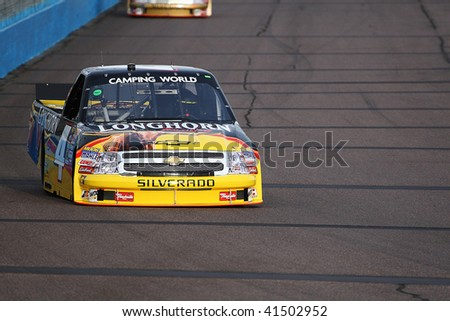 AVONDALE, AZ - NOV. 12: Kevin Harvick (4) gets in laps during Thursdays practice session for the NASCAR Truck Series race at Phoenix International Raceway on Nov. 12, 2009 in Avondale, AZ.