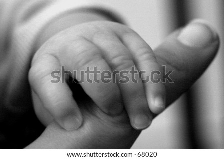 baby and mommy finger