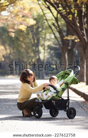 baby mom - stock photo