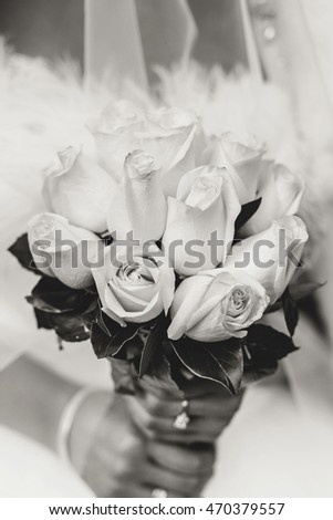 Back and white wedding bouquet
