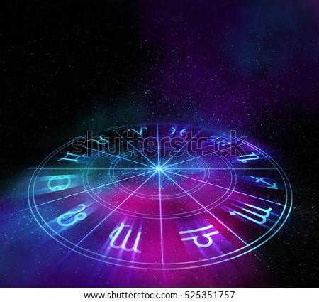 Image by Shutterstock Leo Zodiac Circle Graphic Women/'s Tee