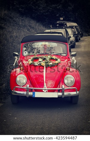 Bad Pyrmont, Germany - MAI 16 : Volkswagen retro vintage car with wedding decoration in Bad Pyrmont