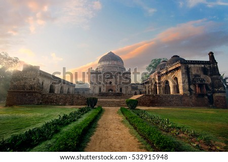 Bada Gumbad Complex at early morning in Lodi Garden Monuments, Delhi, India
