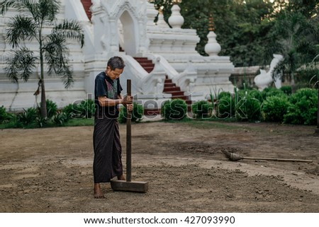 BAGAN-MARCH 24 :man posing in a temple on March 24, 2015 in Bagan, Myanmar