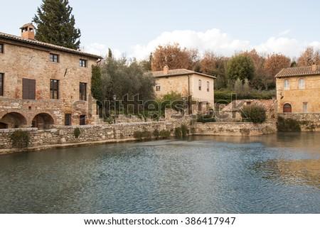 bagno vignoni medieval spa italy
