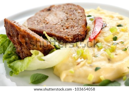 Baked meatloaf with mashed potatoes