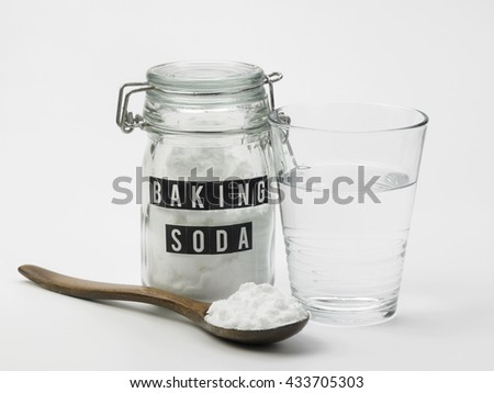 baking soda  and glass of water