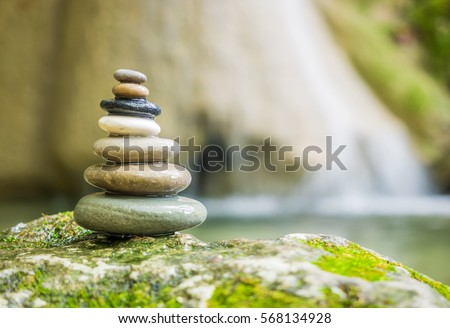 Flowing river stock images royalty free images vectors for Imagenes zen