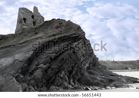ballybunion castle on the rocks in the west coast of ireland
