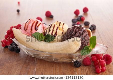 banana split - stock photo