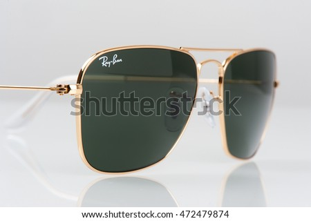 49fca5f8a16e6 Ray Ban RB3136 Caravan 58MM Sunglasses Black Frame Black Lens