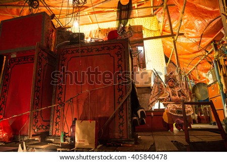 BANGKOK, THAILAND -  FEBRUARY 15, 2016 :Unidentified actress wait behind a stage nearby China town on 15 February 2016 in Bangkok,Thailand.