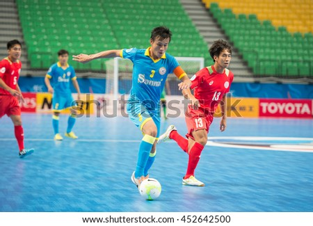 BANGKOK-THAILAND-15JUL2016:MAI THANH DAT[B] player of Sanna khanh hoa in action during match AFC futsal club 2016 between Sanna khanh hoa fc and Taipower fc at bangkok arena,thailand