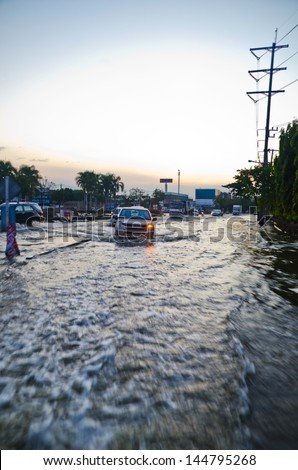 BANGKOK, THAILAND - NOV 26: Scene from  Phet Kasem road  during the worst flooding crisis  on November  26, 2011 in Bangkok, Thailand