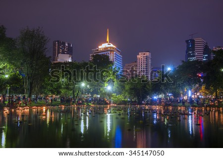 BANGKOK THAILAND - NOVEMBER 25 : Loy Krathong festival, Thai people buy flowers and candle to light and float on water to celebrate the Loy Krathong festival on November 25, 2015 in Bangkok, Thailand.