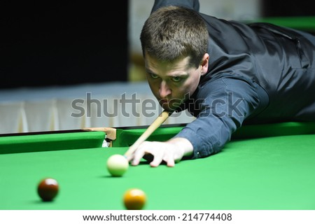 Bangkok, Thailand - SEP 3:Ben Judge of Australia participates in a Sangsom Six-red World Championship 2014 at Montien Riverside Hotel on September 3, 2014 in Bangkok, Thailand.