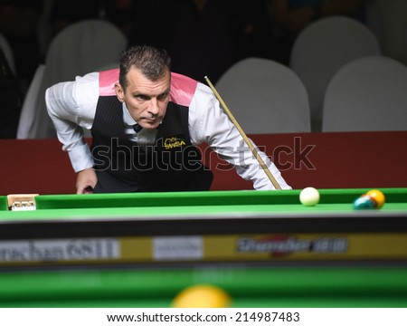 Bangkok, Thailand - SEP 4:Mark Davis of England in action during Sangsom Six-red World Championship 2014 at Montien Riverside Hotel on September 4, 2014 in Bangkok, Thailand.