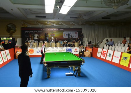 BANGKOK,THAILAND-SEP 6,2013: The competition Snooker 6-Red World Championship 2013 between Noppon Saengkham and Mark Davis at Montien Riverside? hotel on September 6,2013 in Bangkok, Thailand