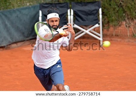 BARCELONA - APR 20: Adil Shamasdin (tennis player from Canada) plays at the ATP Barcelona Open Banc Sabadell Conde de Godo tournament on April 20, 2015 in Barcelona, Spain.