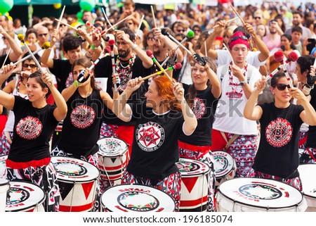 BARCELONA, CATALONIA - SEPTEMBER 8: Concert of Batala drummers -  international music group on Septebmer 8, 2010 in Barcelona, Catalonia. Dia de Brasil - Festival of Culture of Brazil - stock photo