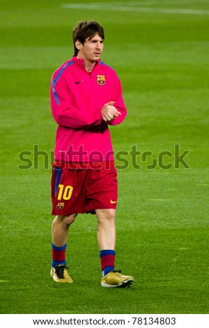 BARCELONA - JANUARY 12: Leo Messi warm-up during soccer Spanish Cup match between FC Barcelona and Real Betis, final score 5 - 0, in Camp Nou stadium on January 12, 2011 in Barcelona, Spain.