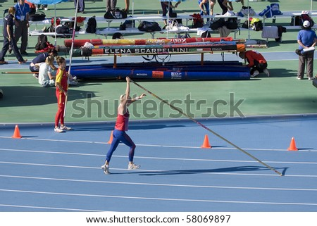 BARCELONA - JULY 28: European Athletics Championships Barcelona 2010. Pole vault, women. In the picture, Cathrine Larsasen (Norway). July 28, 2010 in Barcelona (Spain).