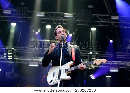BARCELONA - MAY 27: Albert Hammond Jr. (rock musician) performs at Primavera Sound 2015 Festival, ATP stage, on May 27, 2015 in Barcelona, Spain.
