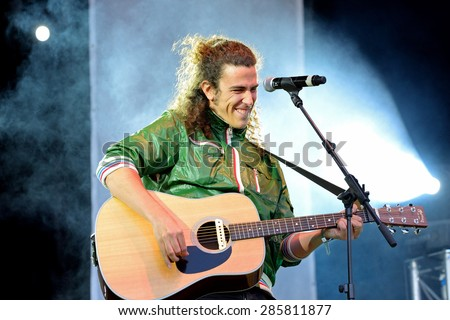 BARCELONA - MAY 23: Mr. Kilombo (British pop rock band) at Primavera Pop Festival by Los 40 Principales on May 23, 2014 in Barcelona, Spain.